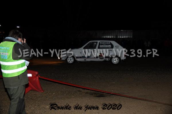 Es 2 003