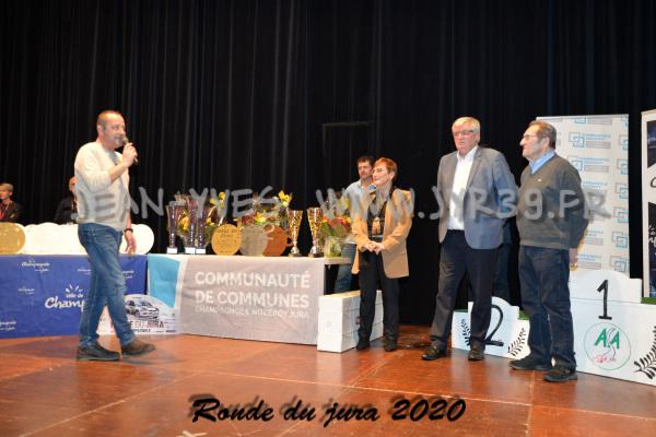 podium 011