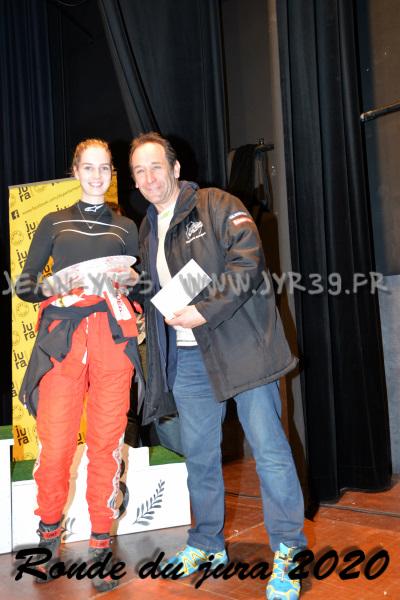 podium 037-