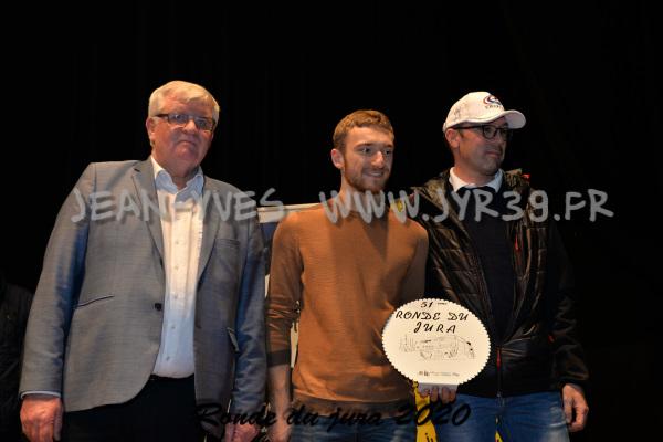 podium 048