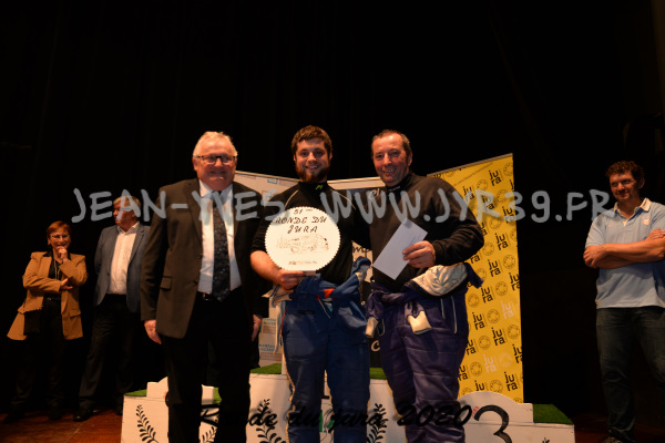 podium 052