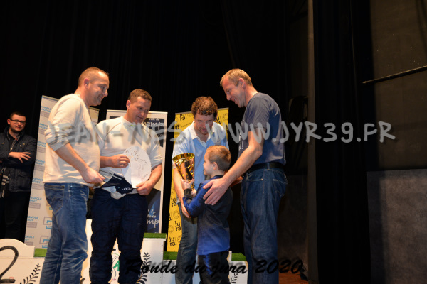 podium 075