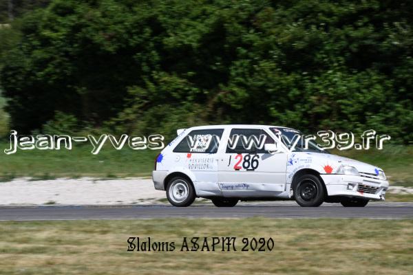 D S 4 054