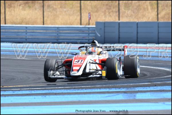 Formula regional european 330