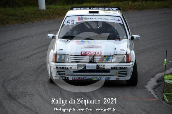 ES 2 320
